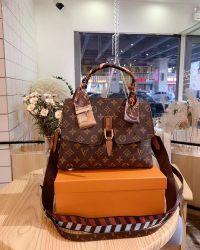 Guangzhou Hochwertige Frauen Echtes Leder Luxus Marke Handtasche Mode Umhängetasche Mit Einem Schulter Für Breitband-Ketten