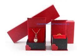 Un buen diseño Joyería Caja de regalo para el anillo Pulsera pendientes Brazalete Collar Brooch embalaje al por mayor precio bajo/OEM