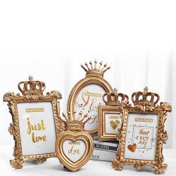 Accueil de la résine créatif européen Crown Photo Frame Wall Hanging cadre photo de mariage de jeu simple cadre photo en relief le commerce de gros