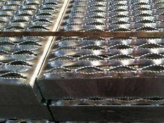 Trou de sécurité du matériel en métal perforé poignée Passerelle de la béquille
