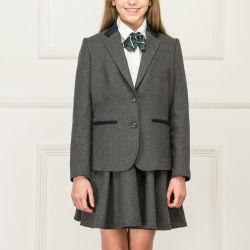 Moderner Mädchen-Schuluniform-Großhandelsblazer und Falte-Fußleiste