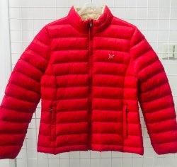 빨간 쉘 및 Bneige 안대기 여자의 가벼운 겨울 재킷