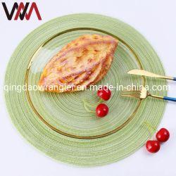 円形安く一義的なレストランの夕食のキッチン・テーブルのマット