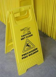 Dobrável e cuidado piso molhado assinar a segurança de plástico um tráfego de forma do sinal de aviso