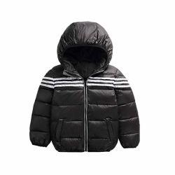 商品の男の子の女の子に着せている子供はコート3棒厚いフード付きのジャケットの下で暖まる