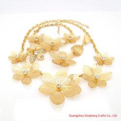 L'électrophorèse Electroplate & Fleur Hollow Out Rhinestone Mode bijoux Set