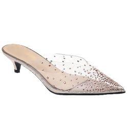 L'alto tallone delle donne dei sandali del ribattino trasparente all'ingrosso delle signore calza il tallone basso delle pompe