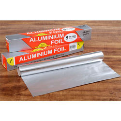 تغليف الطعام استخدم لفائف ألومنيوم صغيرة من الألومنيوم مع مطبخ منزل صغير