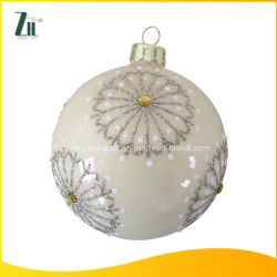 كرات عيد الميلاد الزجاجية المطلية يدويًا