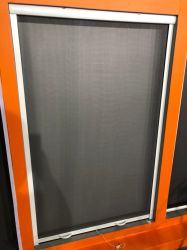 Ventana de la pantalla retráctil de aluminio con pantalla de insectos de fibra de vidrio Invisible y accesorios de PVC