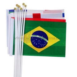 Les fans de sports en polyester personnalisé tous les pays à la main d'un drapeau