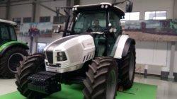 Трактора с помощью челночного переключения передний конец трактора трактора погрузчика, плуг трактора, Lamborghini трактора