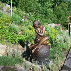 Jardin Deciration Sculpture en bronze Femme nue/femelle/Dame/Figure Statue