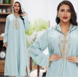 Muslim Dress pyjama's Dubai Women′ S Fashion Casual lange rok Borduursel grote jurk grote maat Midden-Oosten Robe