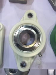Insérez le roulement avec boîtier thermoplastique vert