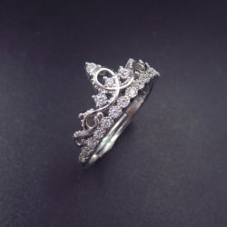 La moda de joyería de plata de la corona de zirconio cúbico Anillo para niñas princesa muy lindo compromiso Castl