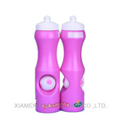 Rosa Cute Kids Sport la botella de agua con el fútbol