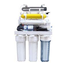 7 étape système RO le filtre à eau avec la lumière UV