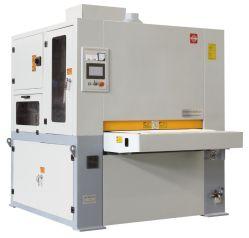 Desbaste de metais e o acabamento de arredondamento a máquina