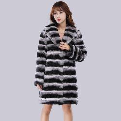 Commerce de gros de bonne qualité Mesdames longue bande noir et blanc authentique manteau de fourrure de lapin Rex Chinchilla fourrure Lapin Rex