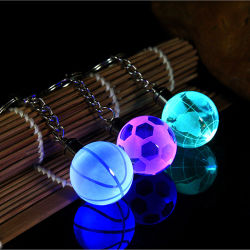 Keychain di cristallo all'ingrosso con l'indicatore luminoso del LED, gioco del calcio chiaro Keychain del LED