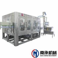La riga completa carceriere divide il tipo rotativo macchina di coperchiamento di riempimento pura di lavaggio delle bottiglie dell'acqua