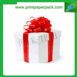 غلاف من صندوق الهدايا ذو الجودة العالية والجميلة الشريط