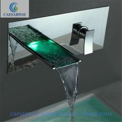 Горячая продажа твердых латунный хромированный поло водосбережения в стену автоматическая электрическая светодиодный датчик бассейна под струей горячей воды