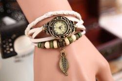 L'annata ha bordato l'orologio squisito del braccialetto dell'involucro della fascia della vigilanza di cuoio del quarzo