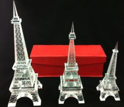 工場卸し売りLEDガラスフランス記念品はギフトの水晶エッフェル塔を制作する