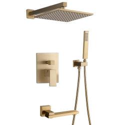 浴室の上のスプレーヤーのシャワーは金のシャワーのコックセットにブラシをかけた