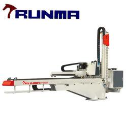 Le robot avec 3 axes ou 5 axes est utilisé pour 50-150 Tonne machine de moulage par injection