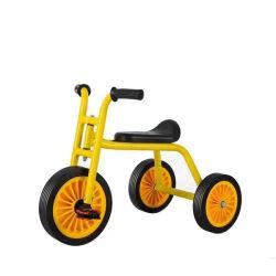جديات درّاجة ثلاثية لأنّ 2 سنون قديم ومرتفعة فتية بنات جديات [تريك]