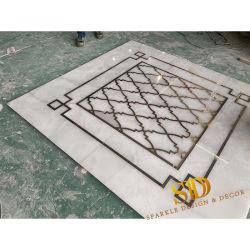 Het moderne Marmeren Inlegsel van de Steen van het Messing van de Mengeling van het Onyx van het Inlegsel Zuivere Witte voor de Decoratie van de Muur van TV in Villa