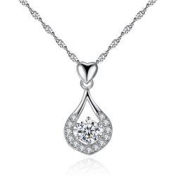 中国の宝石類の中心の低下のペンダントのネックレス AAA Zircon のネックレスの卸し売り方法宝石類