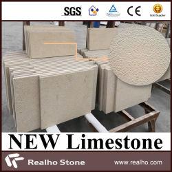 Nuove mattonelle beige materiali del calcare del Indus martellate Bush per la parete