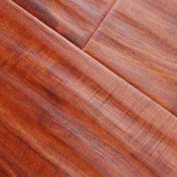 HDF ha impresso la pavimentazione laminata resistente raschiata mano dell'acqua