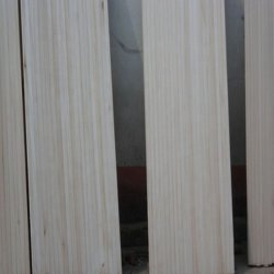 Il legno solido si imbarca sul tipo e sul tipo scheda del legname di Paulownia di legno