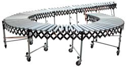 Trasportatore a rulli d'acciaio flessibile allungabile usato per trasferire pallet