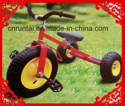 Детей в инвалидных колясках три колеса тележки
