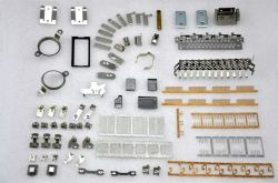 China Rotador Personalizado Estator Hardware Automotiva Conector terminal parte electrónica chapa metálica composto de combinação progressiva transferência Die Estampagem