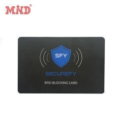 クレジットカード情報の安全のためのプラスチックスマート RFID のブロックカード