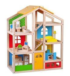 木の人形の家の子供は子供のための演劇のおもちゃセットのふりをする