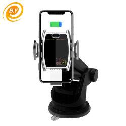L'induction infrarouge Qi Téléphone Mobile iPhone chargeur rapide voiture sans fil 15W Aérateur de serrage automatique motorisé récepteur de charge de téléphone cellulaire Pad