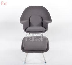 レストラン「 Fiberglass Lounge Chair 」では、ストックにオスマン朝の椅子が用意されている