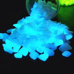 Leuchtende dekorative Steine/, die für Ihren fantastischen Garten Stein glühen