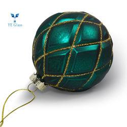 다채로운 그려진 유리제 크리스마스는 공을 장식한다