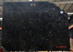 高く磨かれた白くか黒いか灰色かベージュ色またはブラウンまたは緑か赤いですか木の花こう岩の平板