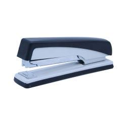 学校およびオフィスの文房具の使用のステープラー