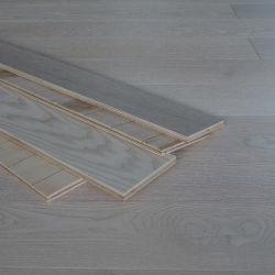 فرج [وهيت ش] دافئ يهندس أرضية خشبيّة لأنّ مشروع عادية